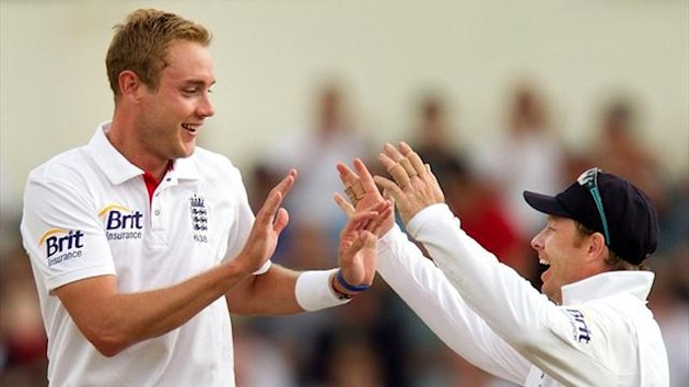 England's Stuart Broad celebrates a wicket with Ian Bell in New Zealand (AFP)