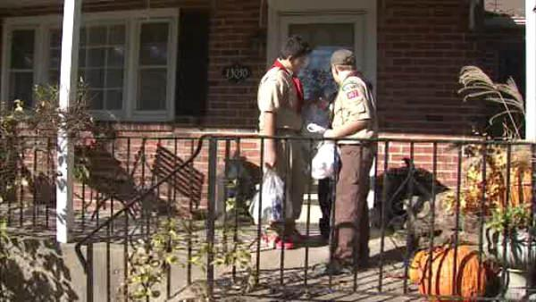 Scouts collect food for 6abc Dunkin Donut Food Drive