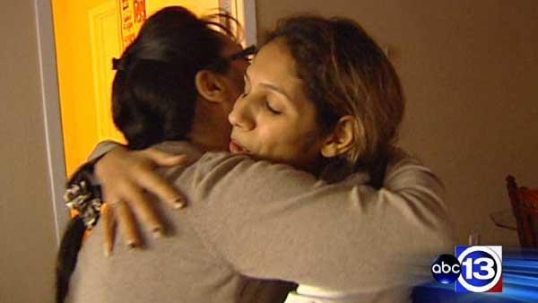 Strangers help family whose Christmas was stolen