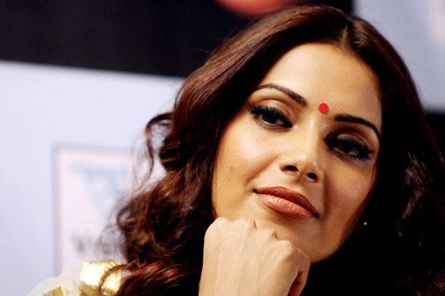 Sexy Bipasha grooves on &amp;#39;DID&amp;#39;
