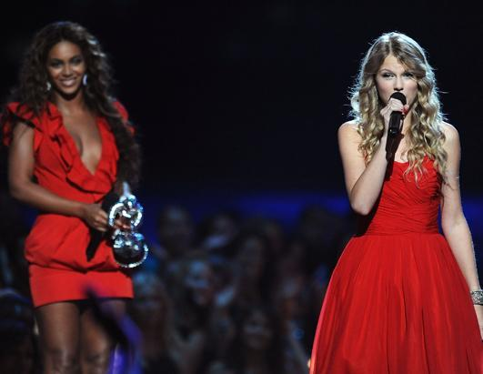 gty_beyonce_taylor_swift_speech_jef_ss_130218_ssh.jpg