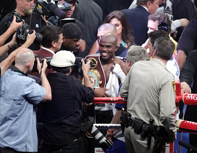 Timothy Bradley (C) Of The US Celebrates AFP/Getty Images
