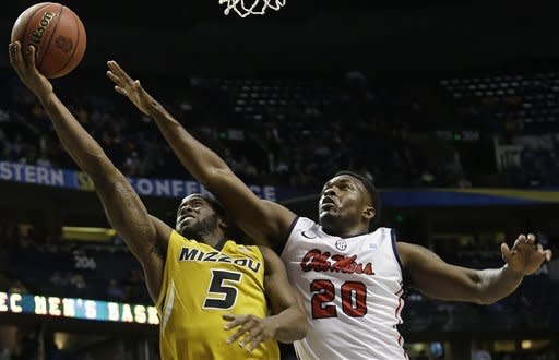 Mississippi tops Missouri 64-62 with frantic rally