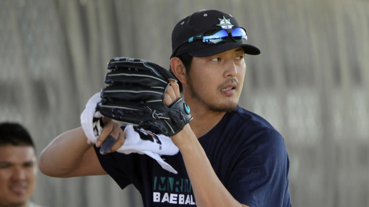 Spring Headlines: Iwakuma cleared to remove finger splint; Jose…
