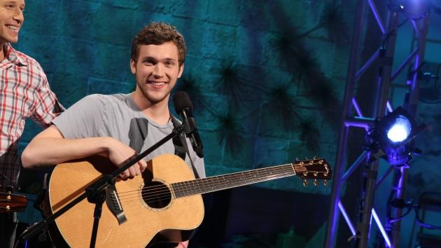 'American Idol' winner Phillip Phillips performs on Access Hollywood, May 24, 2012 -- Access Hollywood