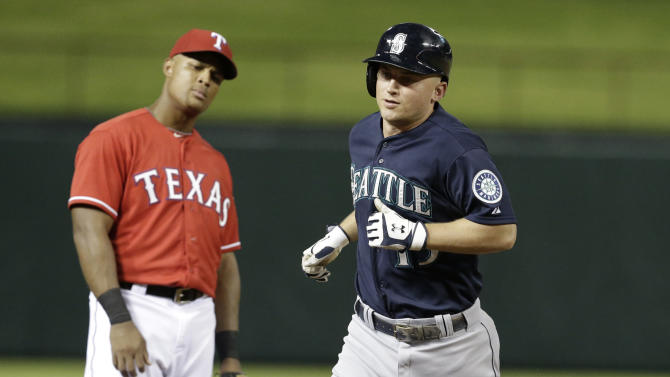 Seager leads Mariners in 4-2 win over Rangers
