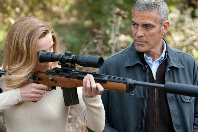 Thekla Reuten George Clooney The American Production Photos 2010 Focus Features