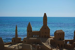 8 Incredible Sand Castles
