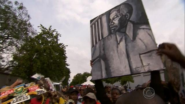 South Africans remember the life and legacy of Nelson Mandela