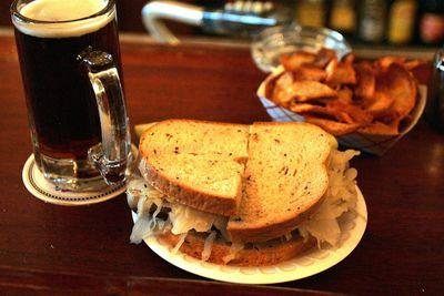The unwritten rules of eating a danged sandwich in the Mets' clubhouse