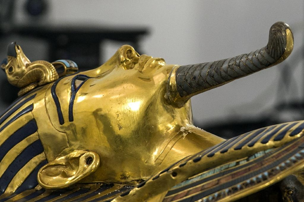 Scans of King Tut's tomb point to hidden chamber
