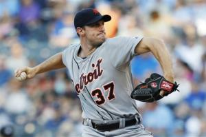 Scherzer wins 9th in a row, Tigers beat Royals