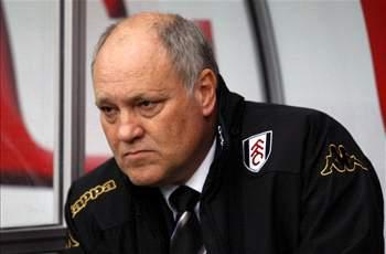 Fulham boss Jol plans summer squad overhaul