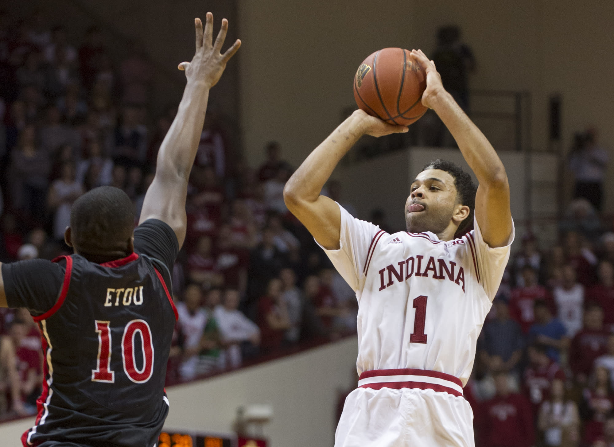 Late spurt helps No. 22 Hoosiers fend off Rutgers 72-64