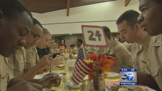 Gurnee Community Church serves Thanksgiving meal to Navy recruits