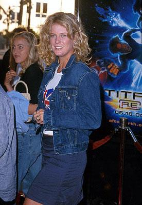 Premiere: Rachel Hunter at the Los Angeles Staples Center premiere of 20th Century Fox's Titan A.E. - 6/13/2000