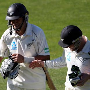 McCullum, Taylor put NZ in charge