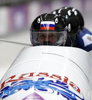Russia's Zubkov takes slim lead in Olympic 4-man
