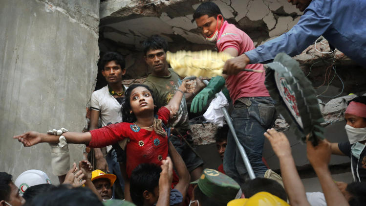 Toll in Bangladesh building collapse climbs to 275