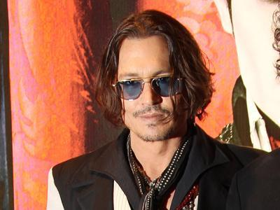 Johnny Depp casts 'Dark Shadows' in London
