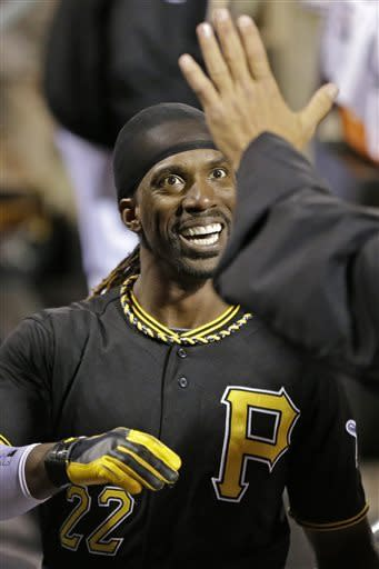 McCutchen's homer lifts Pirates over Reds 6-5
