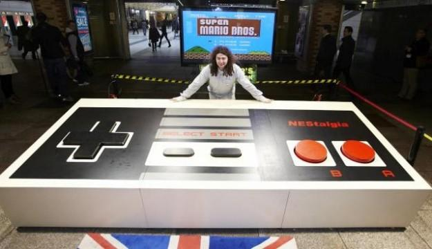 Students create world's largest video game controller