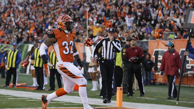 Jeremy Hill leads Bengals over Jaguars, 33-23