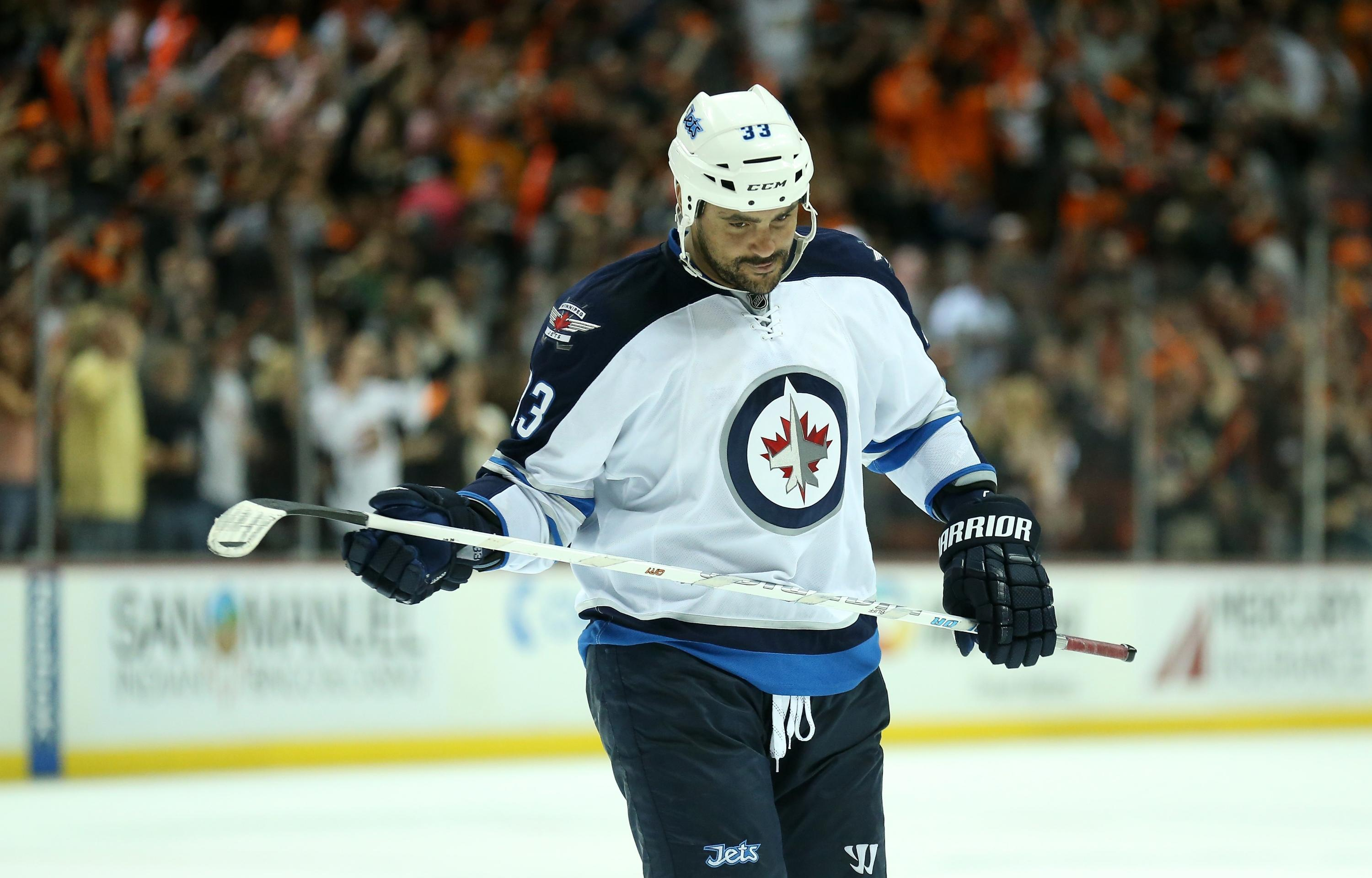 Cashing out on Dustin Byfuglien (Trending Topics)