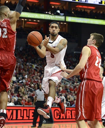 Louisville fends off Illinois State 69-66