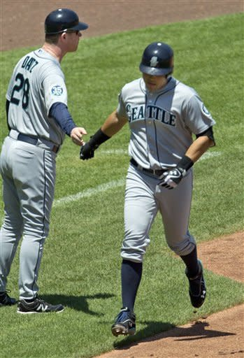 Hernandez, Montero lead Mariners past Royals, 6-1
