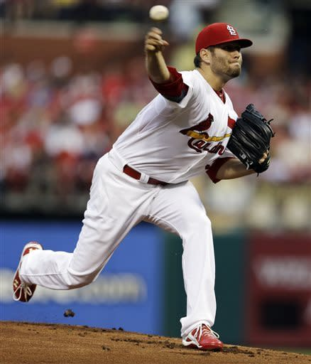 Lynn strikes out 10 as Cardinals top Reds 5-1