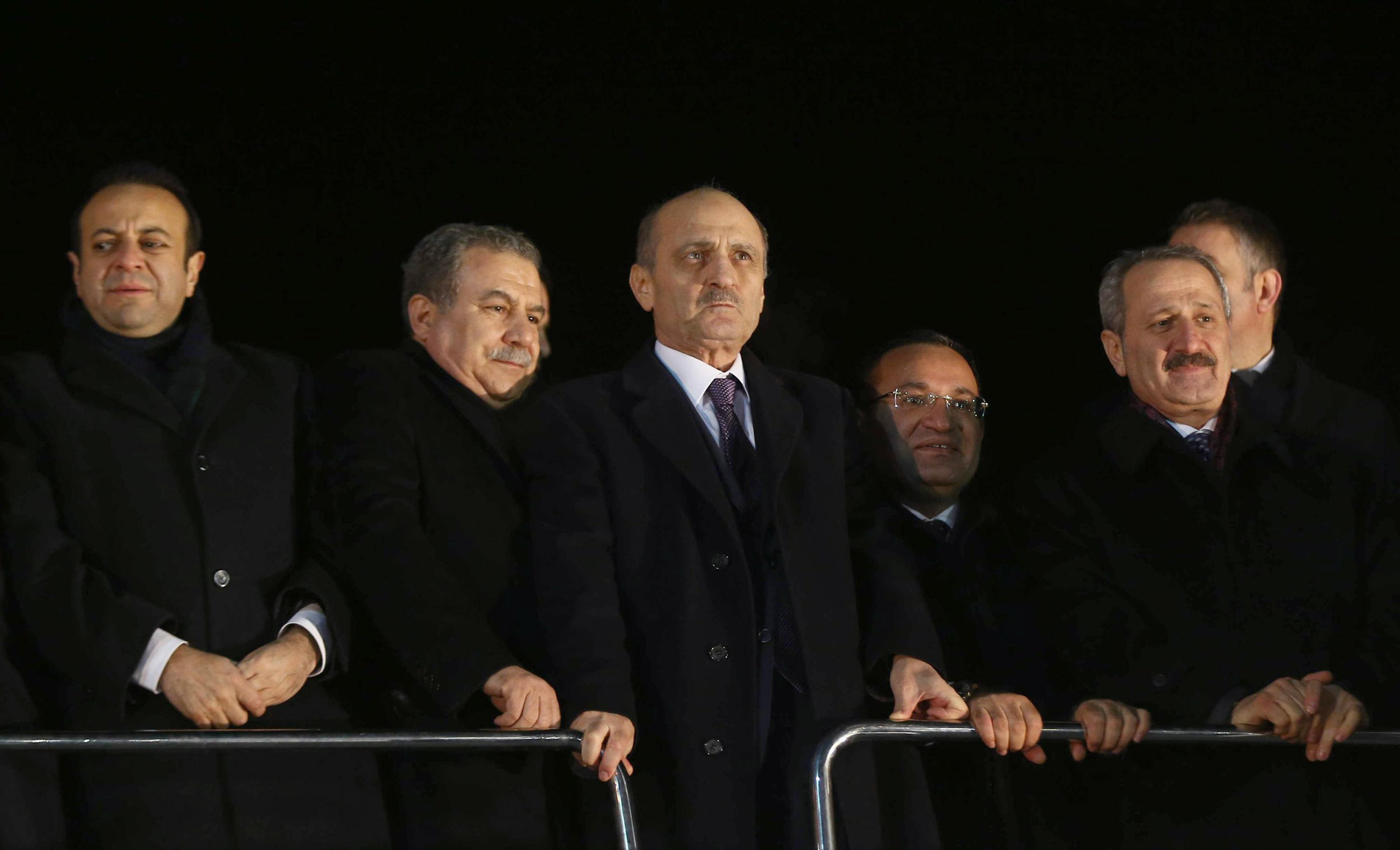 Turkey delays decision on ministers accused of corruption
