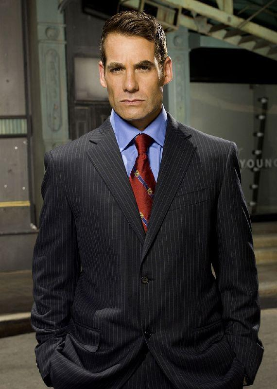 Adrian Pasdar as Nathan Petrelli in Heroes on NBC.