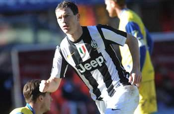 Lichtsteiner delighted with crucial Juventus victory