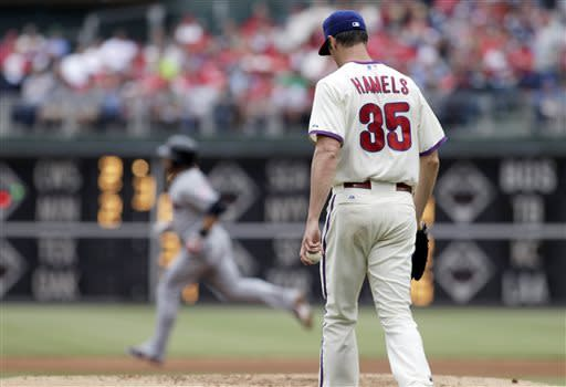 Indians hit 3 HRs, lead Kluber over Phillies 10-4