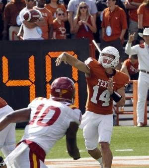 No. 19 Texas honors Royal, whips Iowa State 33-7