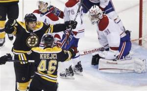 Thomas' 33 saves lead Bruins past Habs 2-1