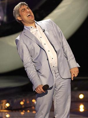 Taylor Hicks performs on March 21 FOX's American Idol