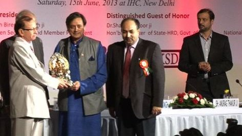 Redirect youth to contribute in building India: Tharoor