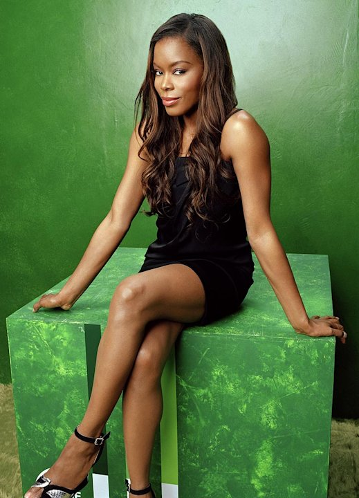 Golden Brooks stars as Maya in Girlfriends on The CW.
