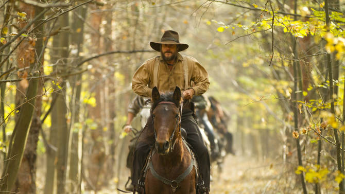 """This undated image released by History shows Bill Paxton portraying Randall McCoy in a scene from the History network's miniseries """"Hatfields & McCoys.""""  (AP Photo/History, Kevin Lynch)"""