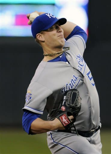Smith shuts down Twins as Royals win