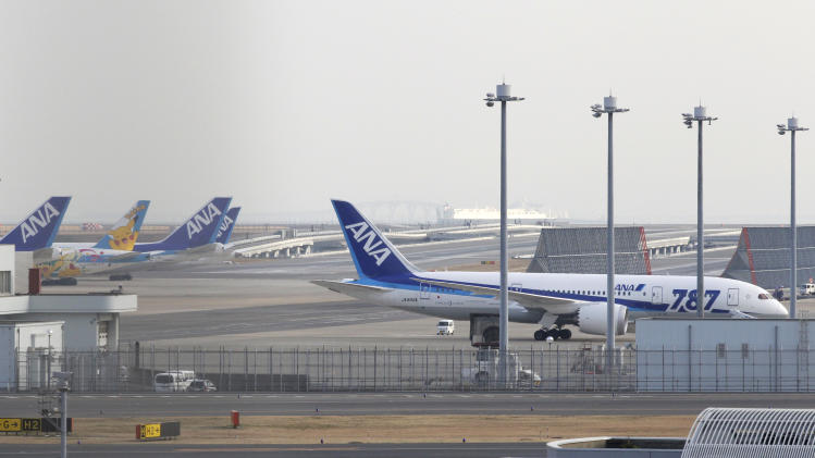 Boeing 787 'Dreamliner' jets grounded in Japan, US