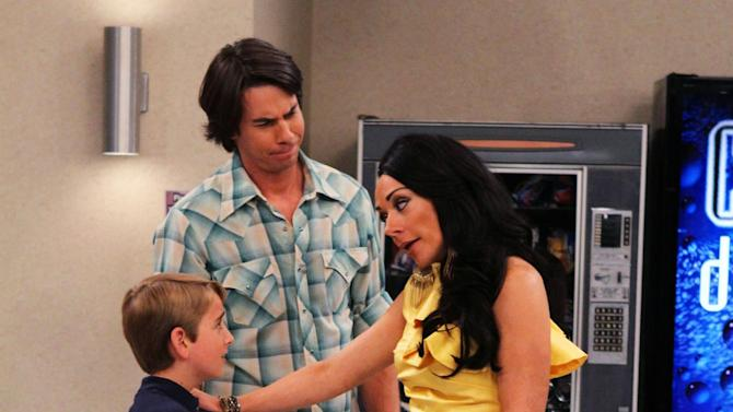 """This publicity photo provided by Nickelodeon shows, from left, Buddy Handleson as Wendell, Jerry Trainor as Vinnie, and Nicole Sullivan as Wilma, in the """"Pilot"""" for the TV show, """"Wendell & Vinnie,"""" to debut on Nickelodeon on Saturday, Feb. 16, 2013. Trainor, who starred in """"iCarly,"""" plays Vinnie, a bachelor who becomes the legal guardian of his nephew Wendell, played by Handleson.  (AP Photo/Nickelodeon, Robert Voets)"""