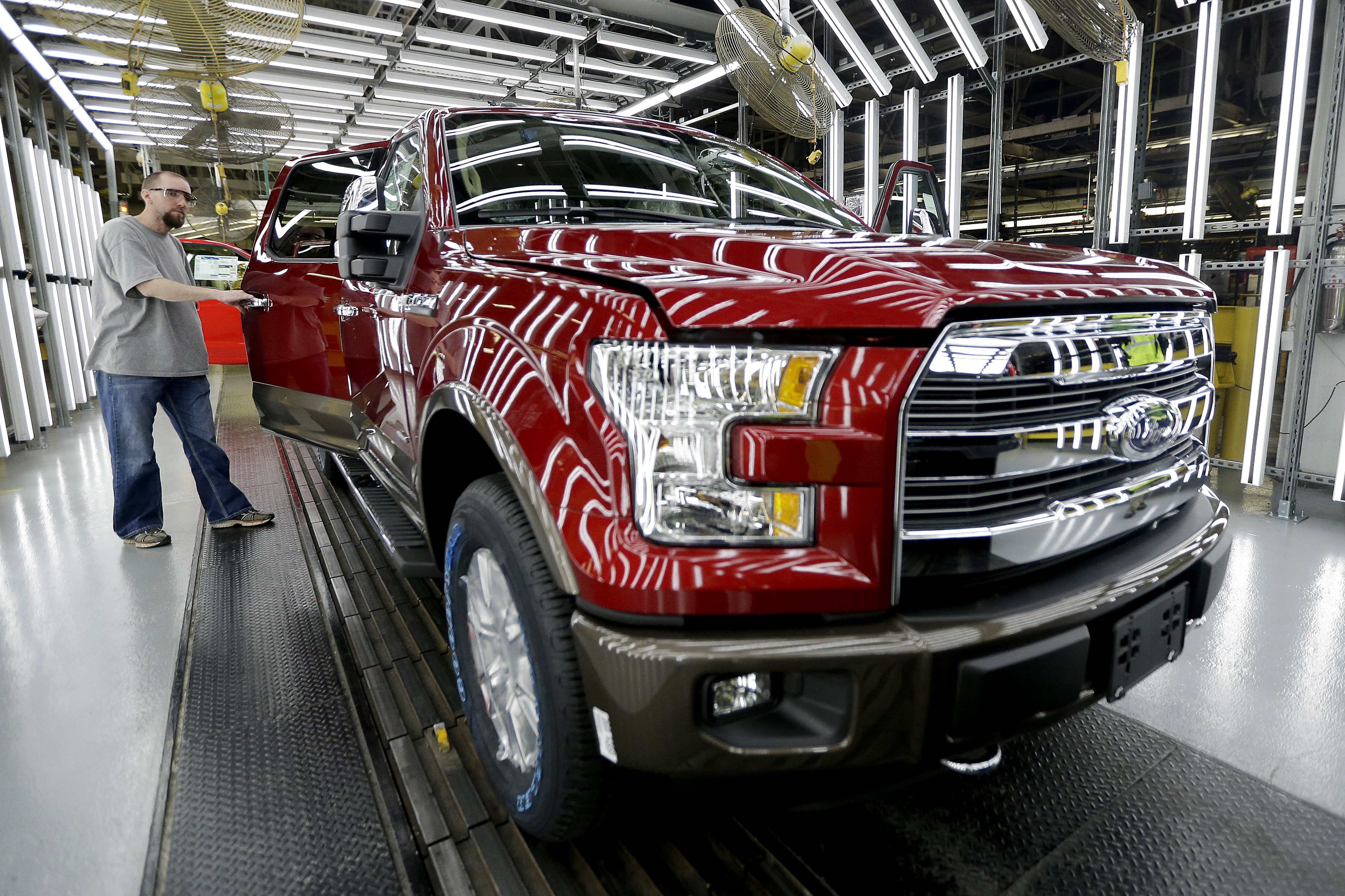 US auto sales expected to drop in August