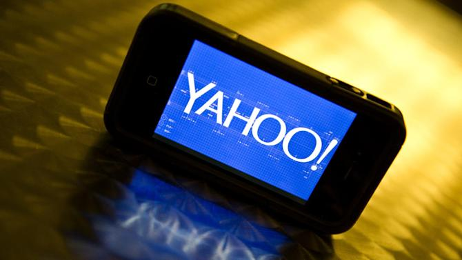 Yahoo announced plans Tuesday for a tax-free spinoff of its stake in Chinese Internet giant Alibaba, splitting off the valuable holdings from its core operations