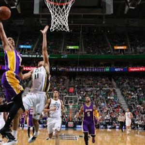 Dunk of the Night - Jordan Clarkson