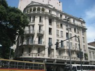 Le Paris motel in downtown Rio is to become a five-star hotel