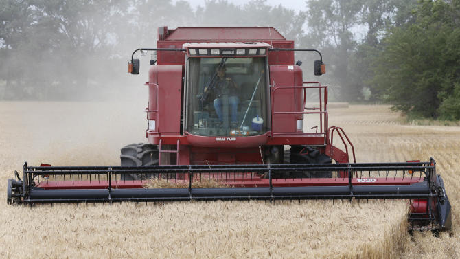 Kan. wheat dismal in west, bountiful elsewhere