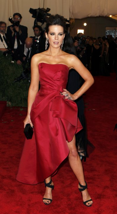 """Actress Kate Beckinsale arrives at the Metropolitan Museum of Art Costume Institute Benefit celebrating the opening of """"PUNK: Chaos to Couture"""" in New York"""